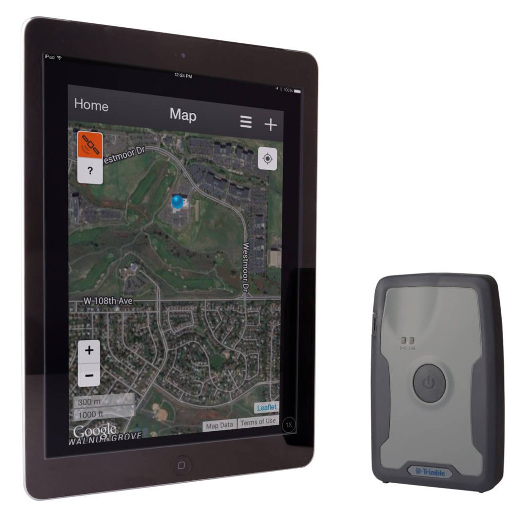 R1 GNSS Receiver with iPad